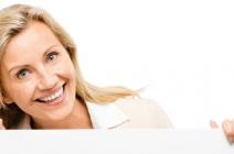 Kosmetyki do włosów starzejących się, czyli jak walczyć z upływem czasu?