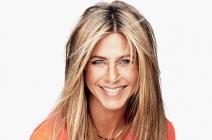 Jennifer Aniston wie, jak stylizować włosy – pokuś się o świetlisty blond