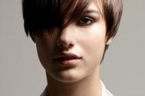 Wariacje na temat grzywki w krótkich fryzurach 2012