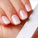 6 sposobów na rozdwajanie się paznokci