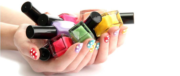 czym malować paznokcie