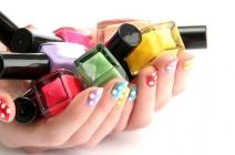Modne zdobienie paznokci i kształt paznokci lato 2012