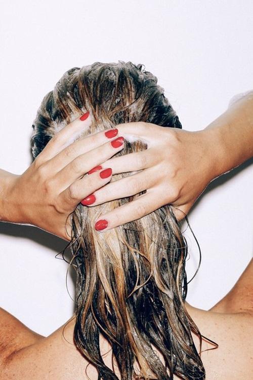 Pielegnacja włosów przesuszonych