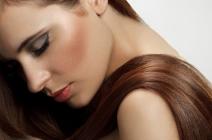 Jak sobie radzić z przesuszoną skórą głowy?