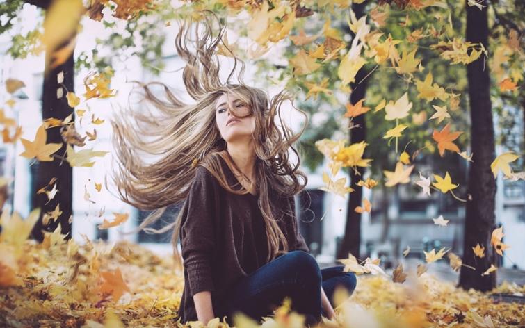 włosy wypadają jesienią