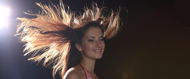 włosy elektryzujące się