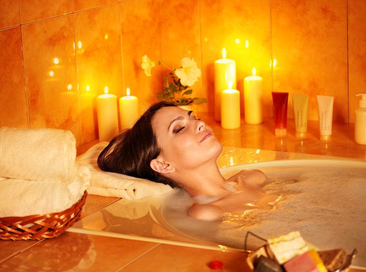 aromatyczna kąpiel - sposoby na relaks