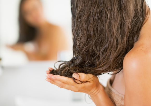 Jak nakładać maski do włosów