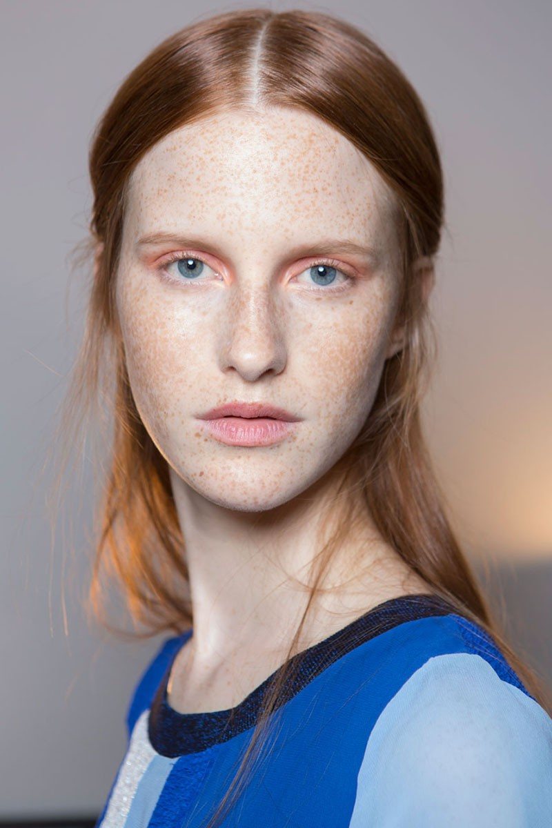 makeup-tips-pink-eye-shadow-eye-make-up-trends-altuzarra