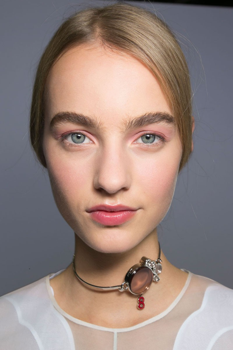 makeup-tips-pink-eye-shadow-eye-make-up-trends-dior