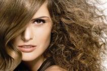 Włosy zniszczone, jak sobie z nimi poradzić? – Porady stylistów