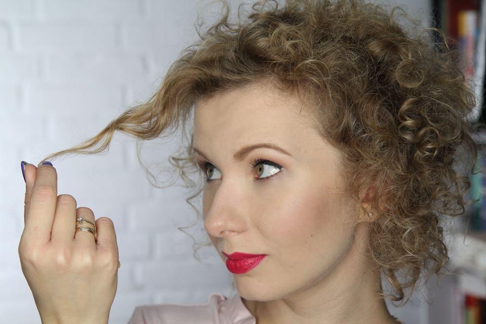 Puszące Się Włosy 6 Sposobów Blogerek Na Bad Hair Day