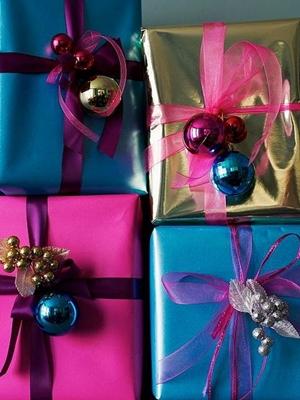 Kolory - pakowanie prezentów