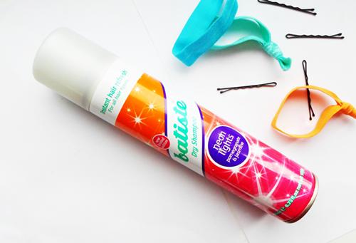 Batiste neon light suchy szampon