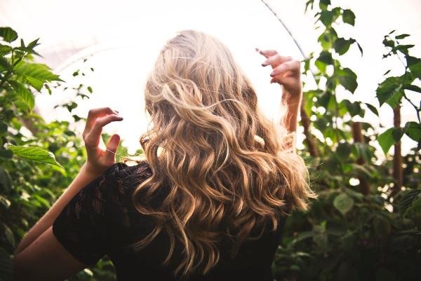 włosy lato