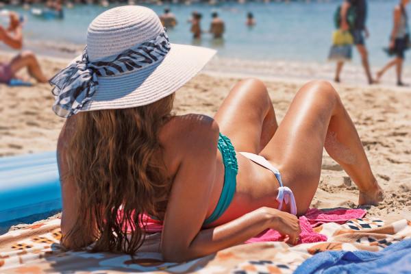 ochrona włosów przed słońcem
