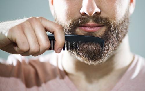 Zobacz triki jak zapuścić brodę