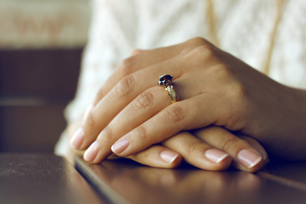 paznokcie zima 2020 francuski manicure