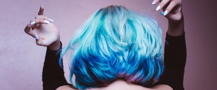jak działa rozjaśniacz do włosów