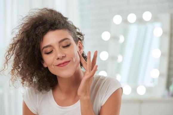 Jak stosować serum do twarzy?